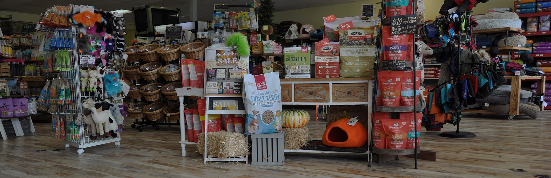 Natural pet food on display at Bestfriend Nutrition in Sequim, WA
